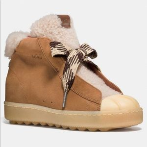coach high top hiker with shearling size 8.5